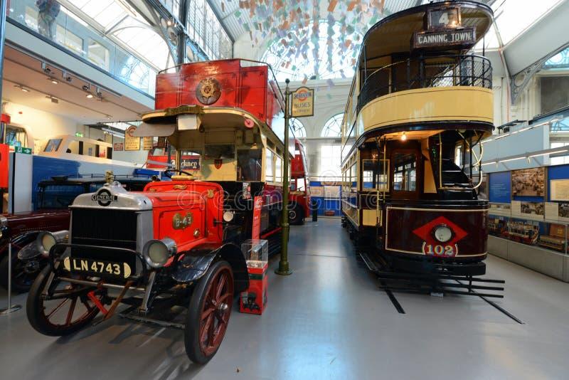 London-Transportmuseum - englische Doppeldecker lizenzfreies stockbild