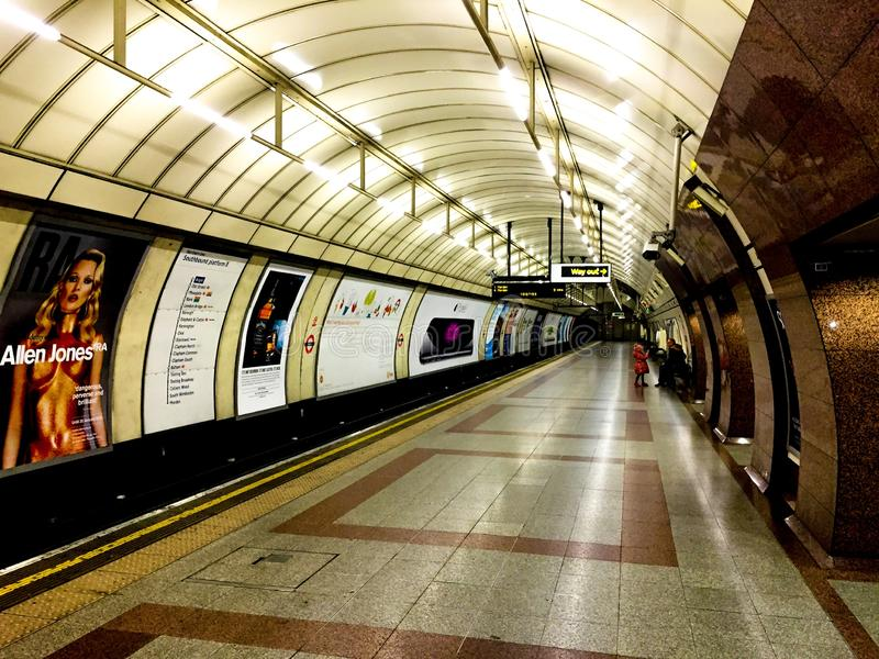 London trimmar starion arkivfoto