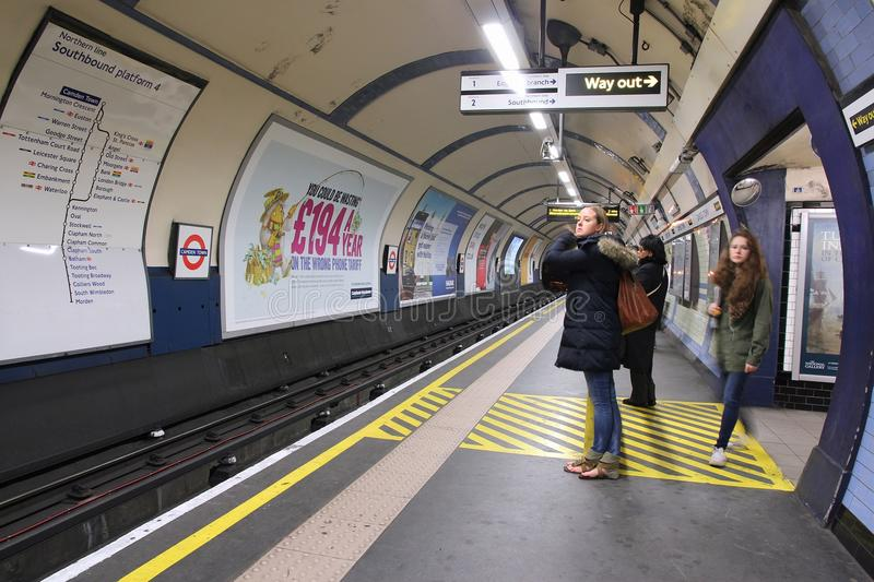 London-U-Bahnhof lizenzfreie stockfotografie