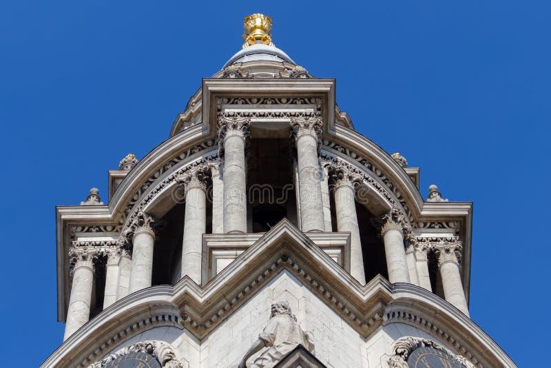 LONDON/UK - 21-ОЕ МАРТА: Закройте вверх по взгляду собора St Pauls в Lo стоковые фотографии rf