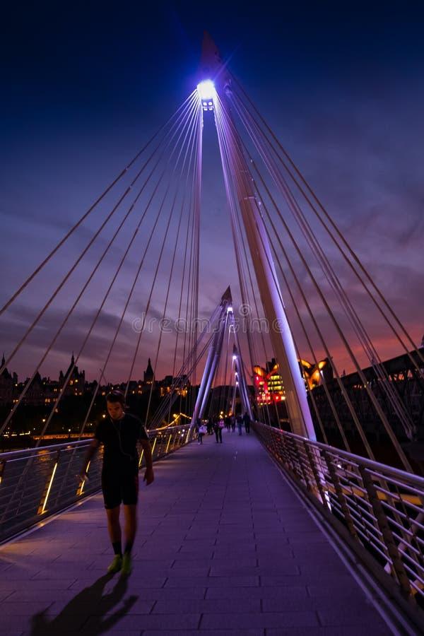 Free London, UK. 22nd May 2017. Golden Jubilee Footbridge At Night Stock Photos - 112440163