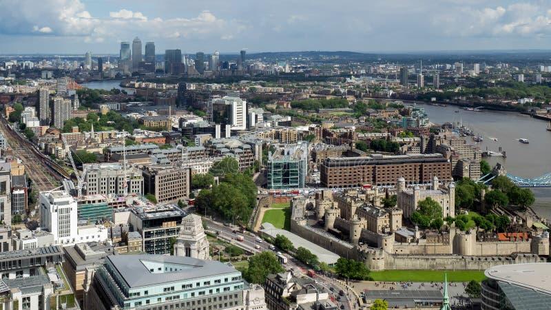 LONDON/UK - CZERWIEC 15: Widok wierza Londyn na Czerwu 15, 20 zdjęcia stock