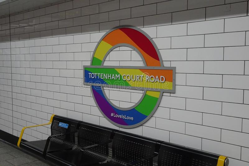 London UK, Juli 7, 2015 London tunnelbana Pride Logo royaltyfria foton