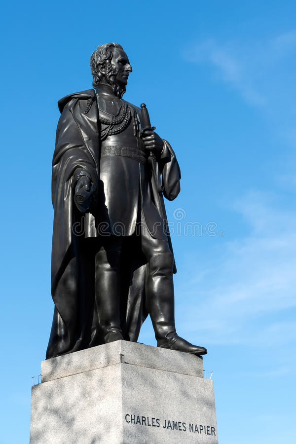 LONDON/UK - MARS 7: Staty av Charles James Napier i Trafalga arkivbild