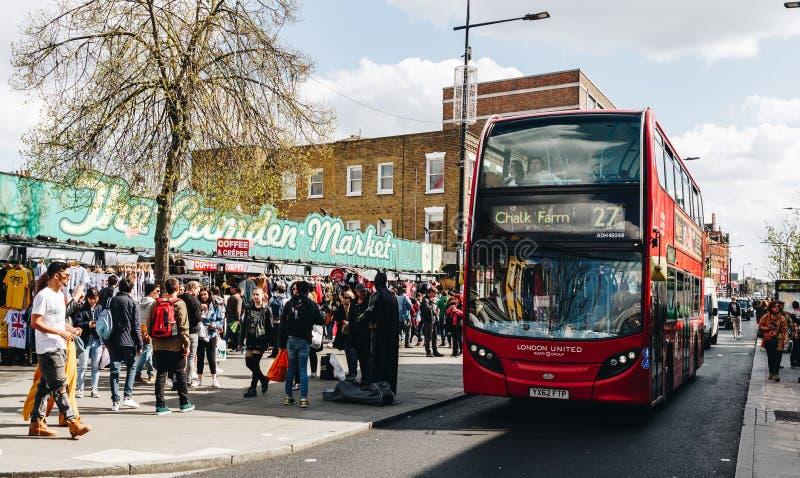 London UK - 2nd av April, 2017: Camden Lock Village berömd alt royaltyfri bild