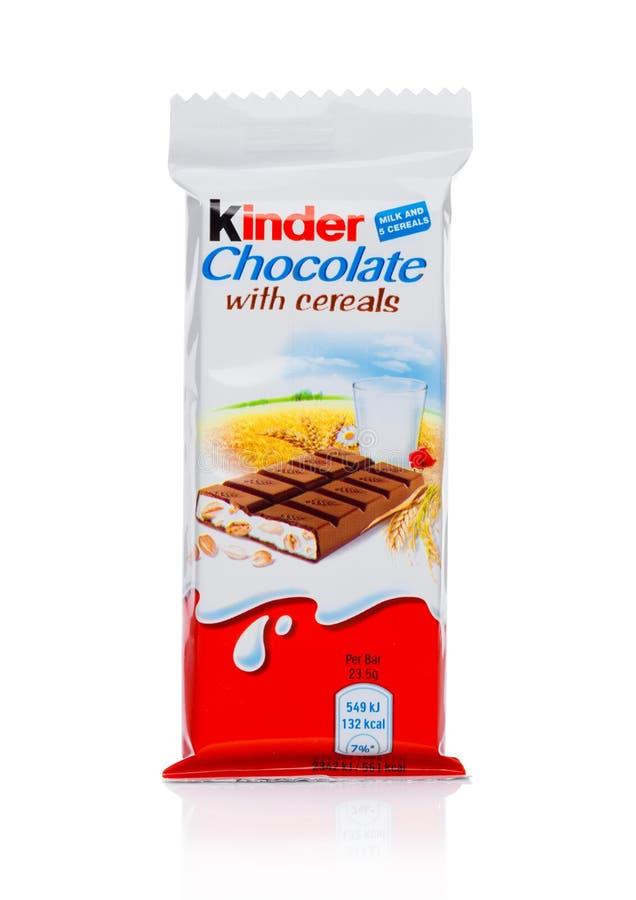 LONDON UK - November 17, 2017: Mer snäll chokladstång med sädesslag på vit Mer snäll stänger produceras av Ferrero grundade i 194 arkivbilder