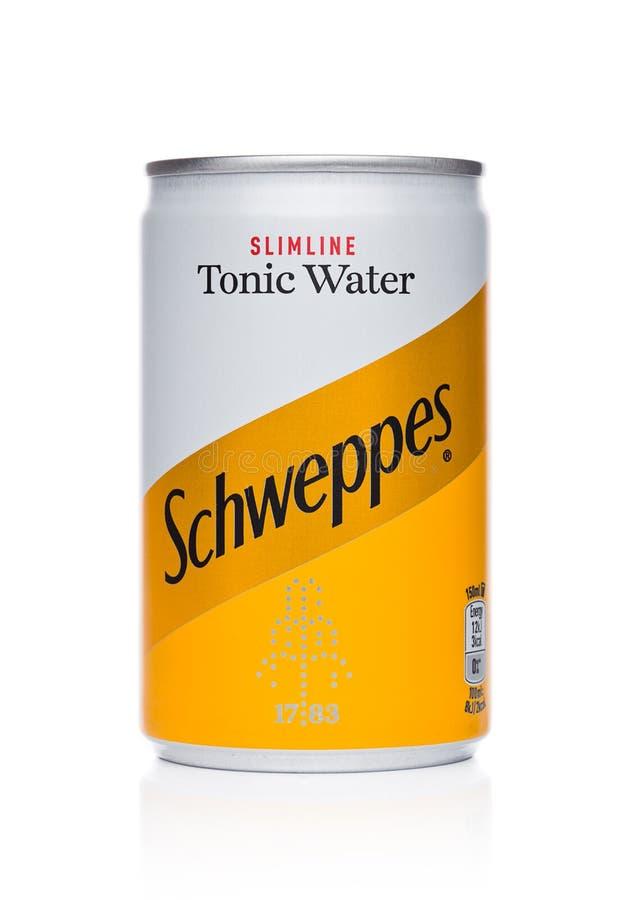 LONDON UK - NOVEMBER 10, 2017: Smak för Schweppes tenn- tonocvatten på vit Dren Pepper Snapple Group är den aktuella ägaren av se fotografering för bildbyråer