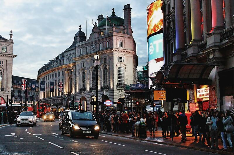 London`s West End at night editorial image. Image of traffic - 172025655