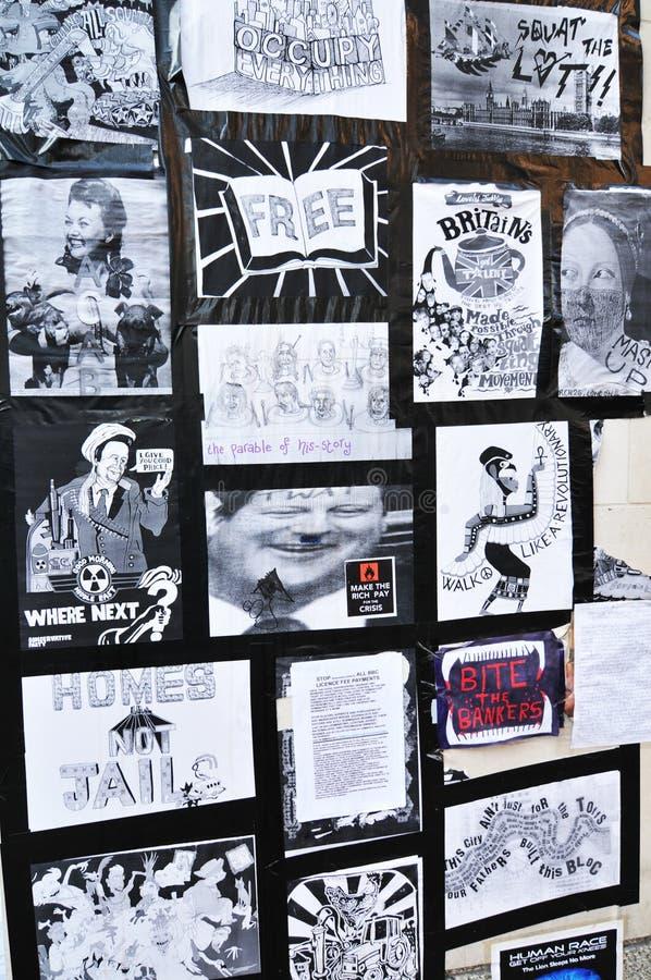 london upptar person som protesterarväggen royaltyfri fotografi