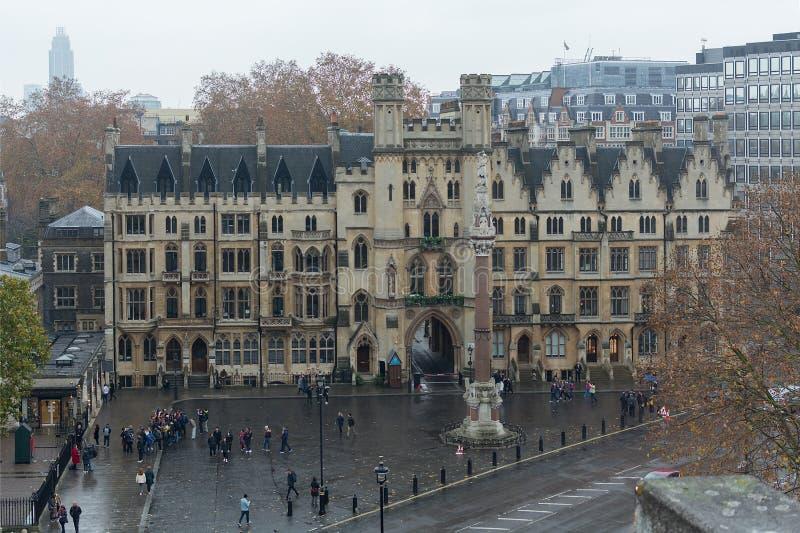 LONDON, VEREINIGTES KÖNIGREICH - 24. NOVEMBER 2018: Das Denkmal des Westminster-Gelehrt-Kriegs-Denkmals oder Krim und der indisch lizenzfreies stockbild