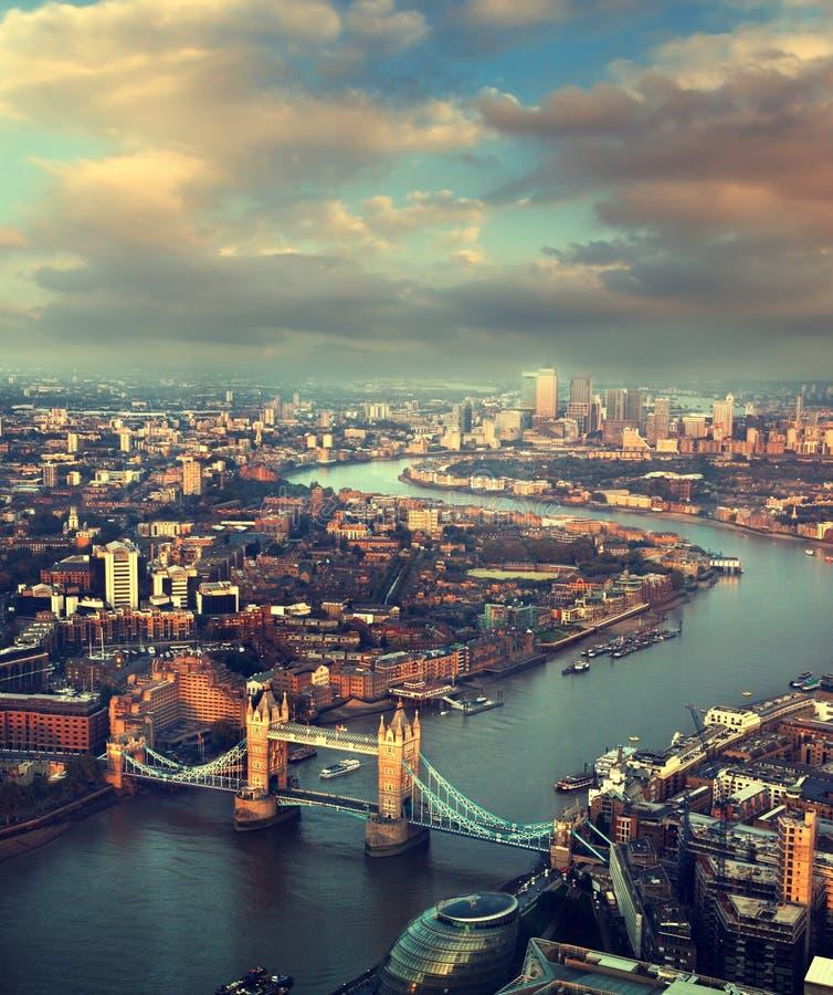 London vogelperspektive mit turm br cke stockfoto bild 45482762 - Vogelperspektive englisch ...