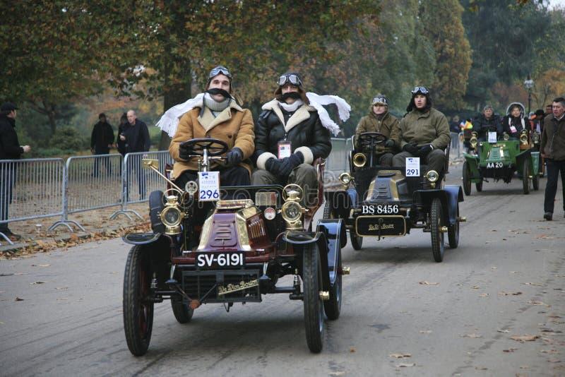 London zum Brighton-Veteranen-Auto-Lack-Läufer lizenzfreies stockbild