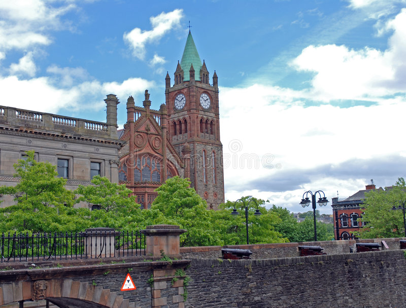 Londonderry Church. The church in Londonderry centre and the wall of the old town stock images