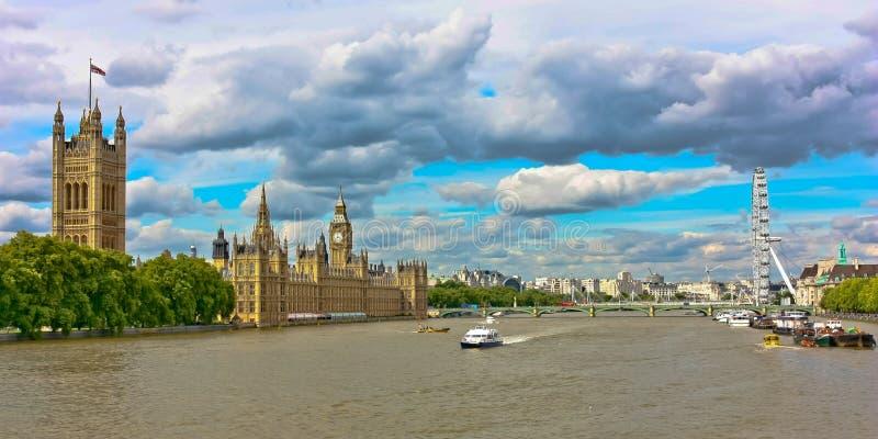 Londons Fluss Themse stockfotos