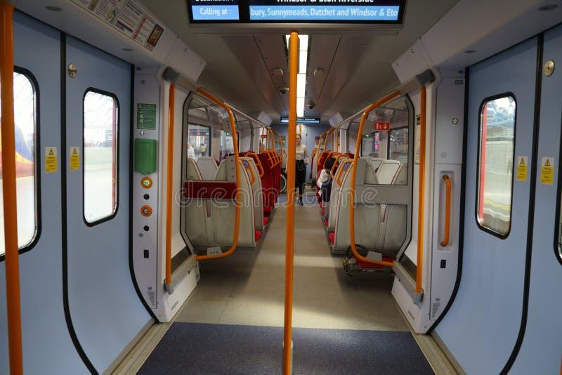 Londons tåg inåt till Windsor arkivfoton