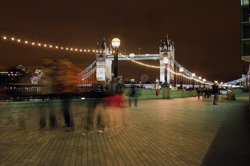 Londra alla notte (che va a casa) fotografia stock