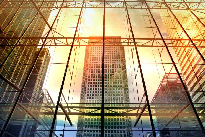 Londra Edifici per uffici di Canary Wharf Architettura moderna fotografia stock