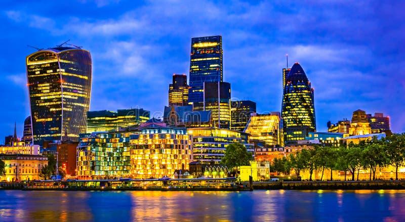 Londra, Gran Bretagna, Regno Unito: Paesaggio urbano intorno a Southwark, il Tamigi fotografia stock libera da diritti