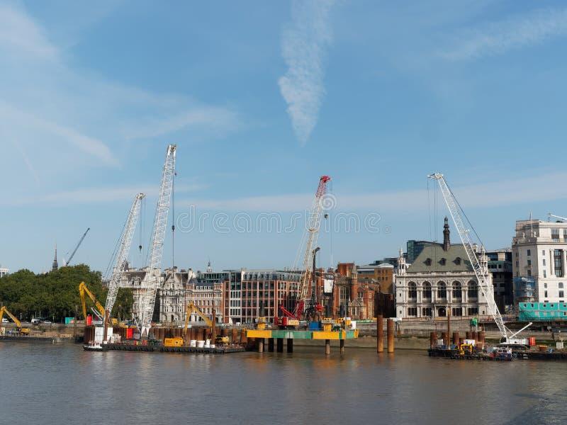 """LONDRA, IL 30 AGOSTO 2018, """"costruzione della fogna eccellente """"di Victoria Embankment fotografie stock"""