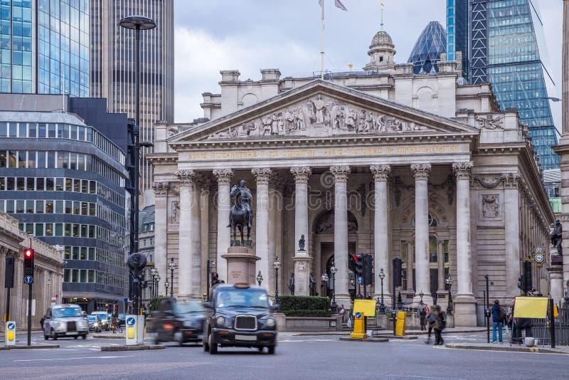 Londra, Inghilterra - la costruzione di scambio reale con il tradit commovente fotografia stock