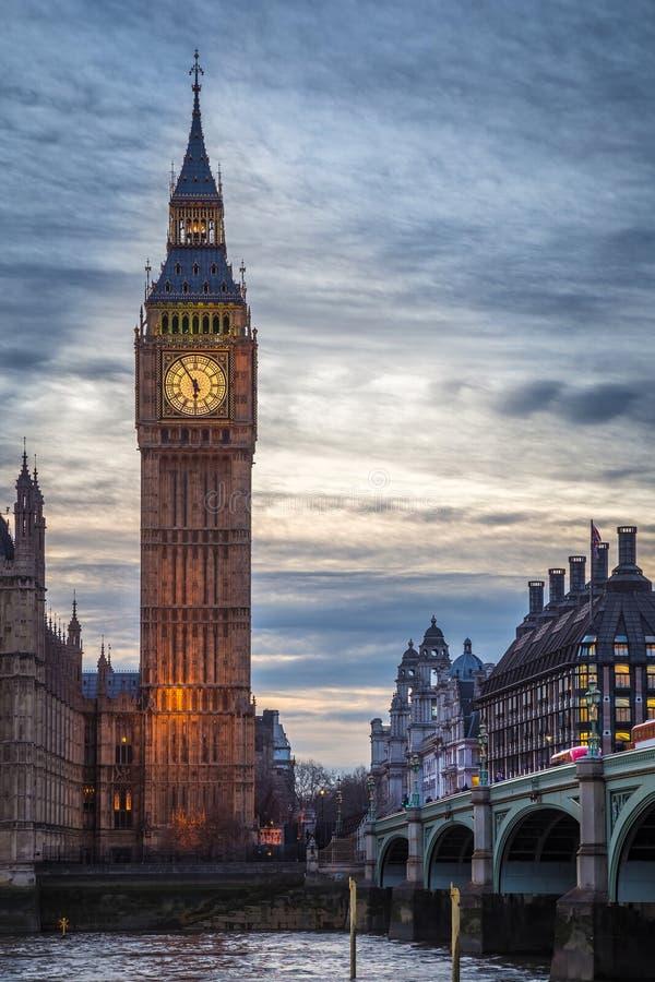 Londra l 39 inghilterra big ben famoso e camere del for Le due camere del parlamento