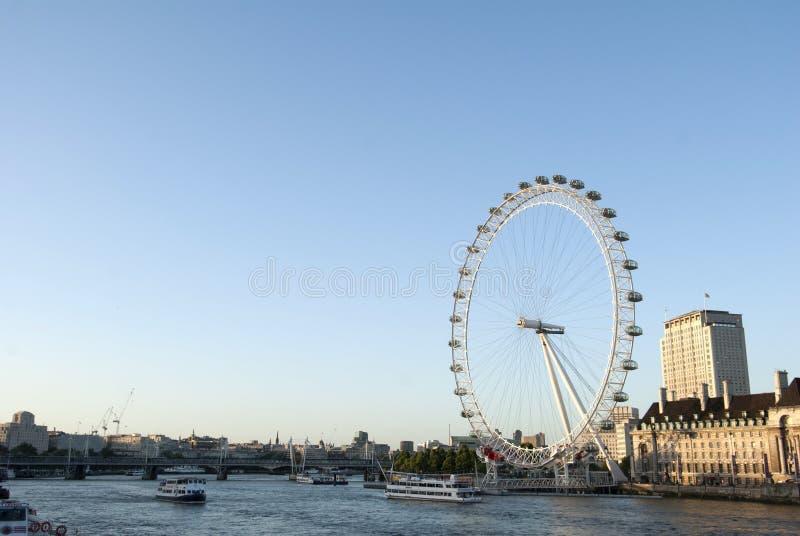 Londra nel giorno soleggiato fotografie stock libere da diritti