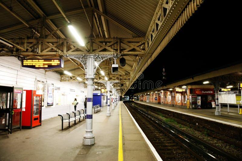 Vista interna della stazione di Londra Waterloo fotografia stock