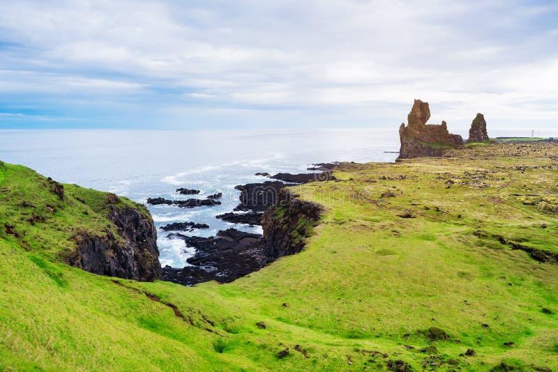Londrangar - attraction touristique de l'Islande images stock