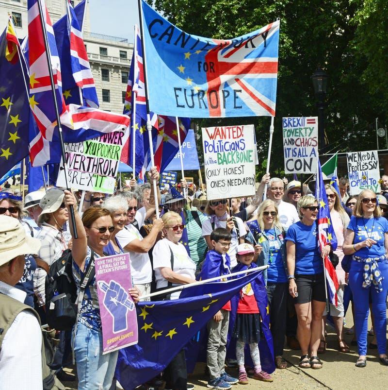 Londres, Angleterre 23 juin 2018 March de protestation de vote du ` s de personnes photos stock