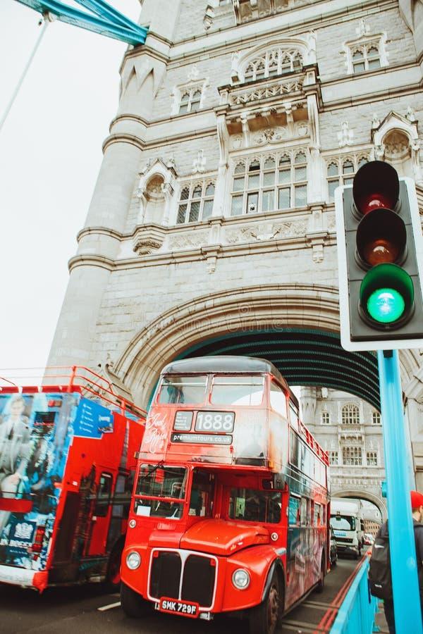 LONDRES - 21 AOÛT 2017 : Pont de tour à Londres, R-U photographie stock libre de droits
