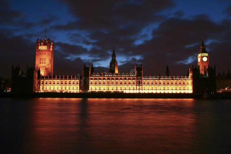 Londres Ben grande y casa del parlamento foto de archivo