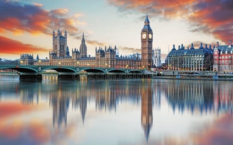 Londres - ben grande y casas del parlamento, Reino Unido fotografía de archivo