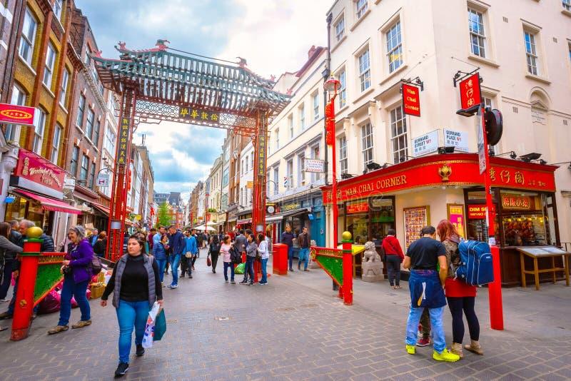 Londres Chinatown en Gerrard Street en Londres, Reino Unido imágenes de archivo libres de regalías