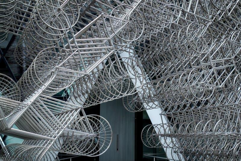 LONDRES - 20 DÉCEMBRE : Nouvelle sculpture en Forever d'AI Weiwei en dehors de Lond photographie stock libre de droits