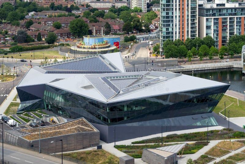 LONDRES - 25 DE JUNIO: Centro urbano de la continuidad de Siemens en Dockla imagen de archivo