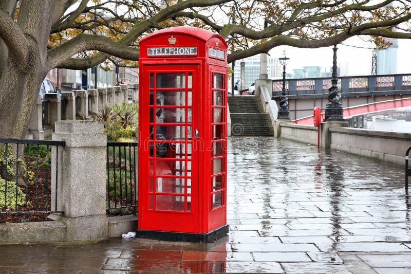 Londres en la lluvia imagen de archivo libre de regalías