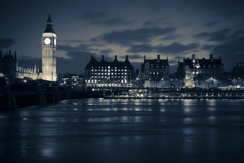 Londres en la noche foto de archivo libre de regalías
