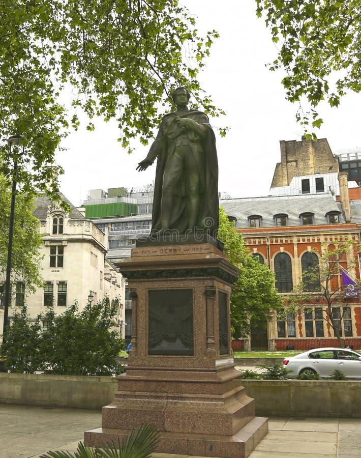 Londres, Grâ Bretanha - 22 de maio de 2016: estátua a Edward Geoffrey Smith Stanley no Parliament Square fotografia de stock royalty free