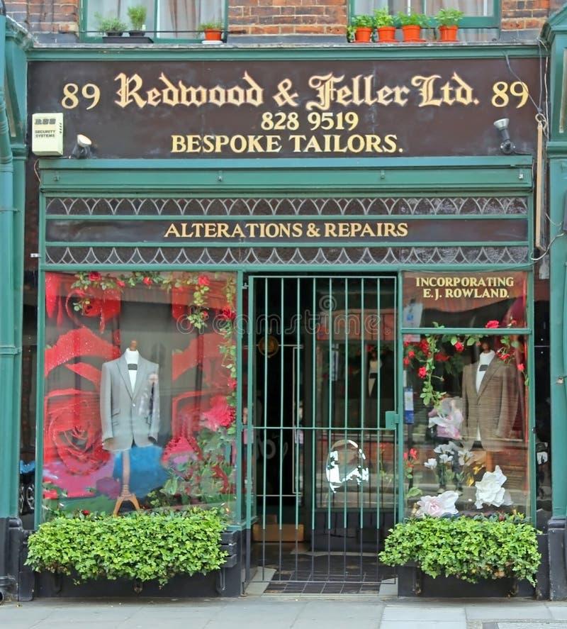 Londres, Grâ Bretanha - 22 de maio de 2016: Sequoia vermelha & Feller, costurando a oficina foto de stock
