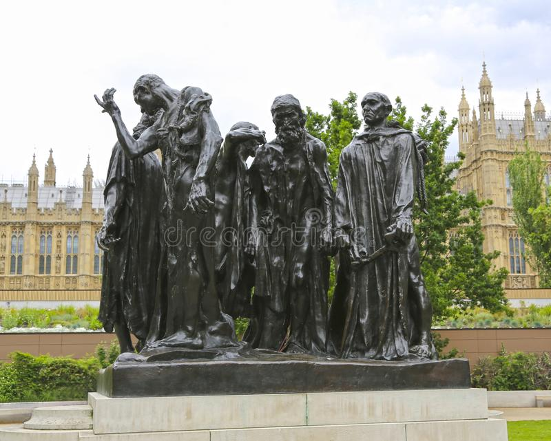 Londres, Gran Bretaña - 22 de mayo de 2016: grupo escultural los burghers de Calais, creados por Auguste Rodin fotografía de archivo libre de regalías