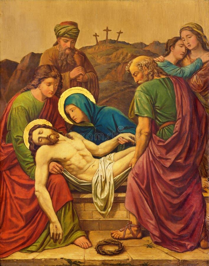 LONDRES, GRAN BRETAÑA - 17 DE SEPTIEMBRE DE 2017: El entierro de Jesús como la estación de la cruz en la iglesia de St James Span imágenes de archivo libres de regalías