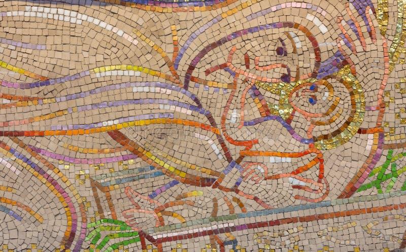 LONDRES, GRAN BRETAÑA - 18 DE SEPTIEMBRE DE 2017: El mosaico moderno de la natividad en la iglesia Notre Dame de la France de Bor foto de archivo