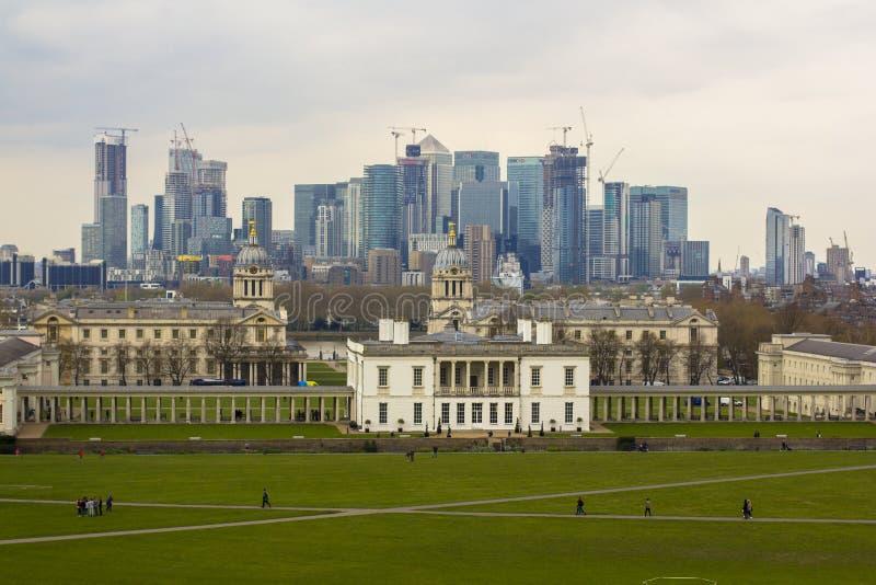Londres, Gran Breta?a 12 de abril de 2019 Opinión de Canary Wharf del observatorio de Greenwich fotografía de archivo