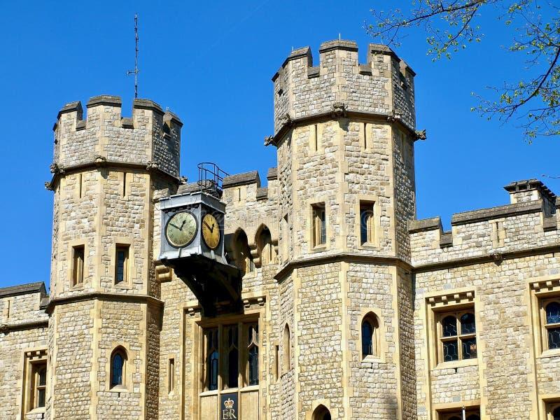 Londres hermoso visto durante un viaje de la ciudad a lo largo del río Támesis y de la arquitectura famosa imagenes de archivo