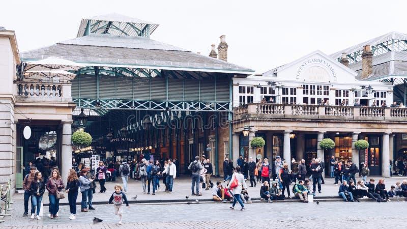 Londres, Inglaterra - 4 de abril de 2017: Mercado del jardín de Covent, uno de th imágenes de archivo libres de regalías