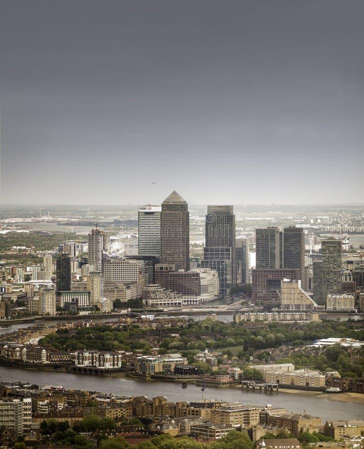 Londres, Inglaterra - 11 de mayo de 2015 Canary Wharf imagen de archivo libre de regalías