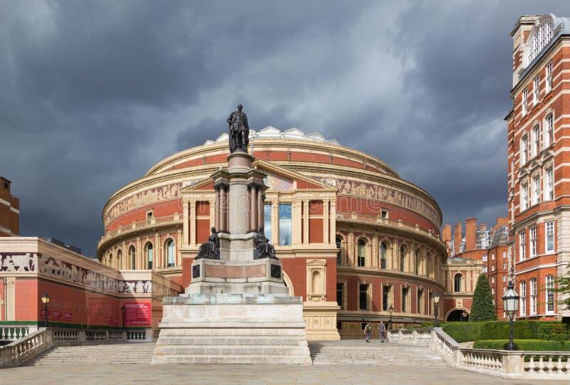 Londres - le hall d'Albert et le mémorial à la grande exposition par John Durham de l'année 1851 image libre de droits