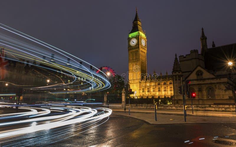 Londres na noite imagem de stock