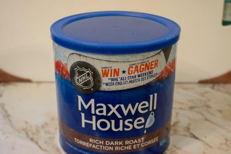 Londres Ont?rio Canad?, o 20 de abril de 2019: Lata de Maxwell House Brand de editorial llustrative dos feij?es de caf? ? terra e fotografia de stock
