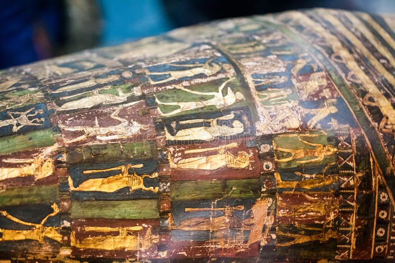 29 07 2015, LONDRES, R-U, BRITISH MUSEUM - cercueils égyptiens photos stock